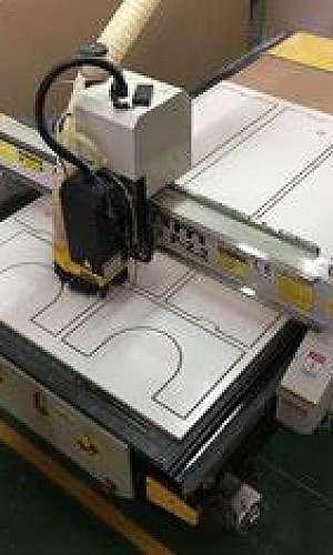 Fresadora CNC para ACM