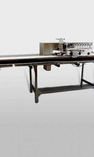 Máquina de cortar pão de forma